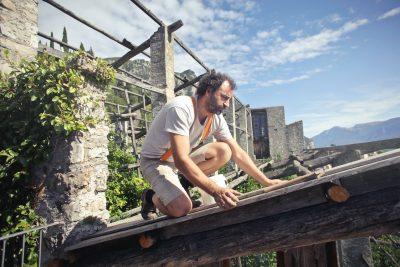 Správna rekonštrukcia strechy akomína je základom dobrého bývania