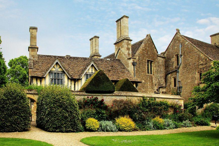Anglický štýl bývania, luxus apompéznosť